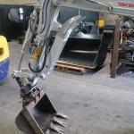 3/4 Tonne Hydraulic Thumb Bracket type
