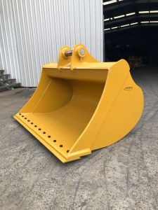 Earthmaster Excavator and Backhoe Attachments