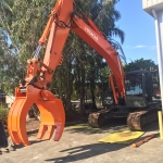Hitachi ZX200 5 tyne Static Grab